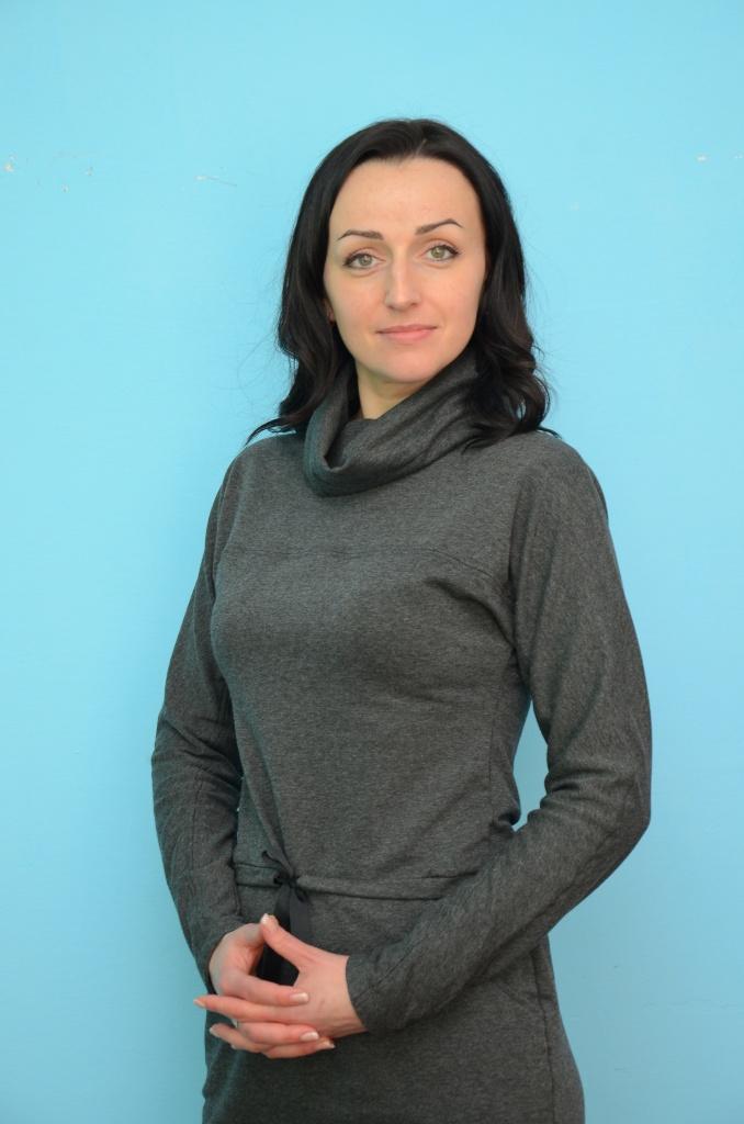 Репетитор французского и английского языков Оксана Валерьевна.