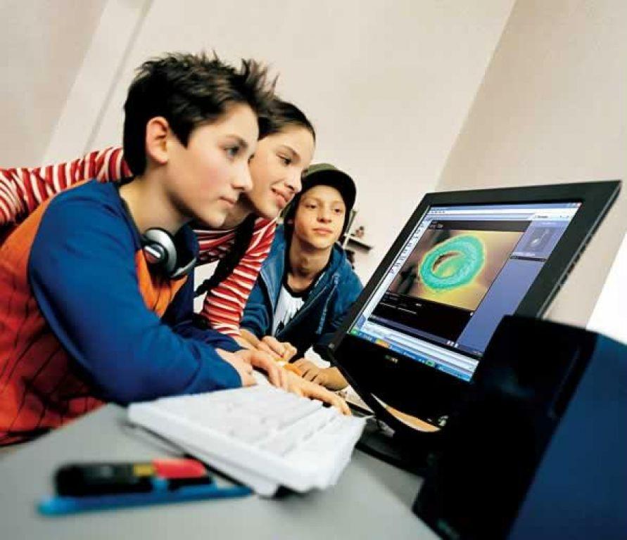 Компьютерные курсы для детей и подростков во время зимних каникул